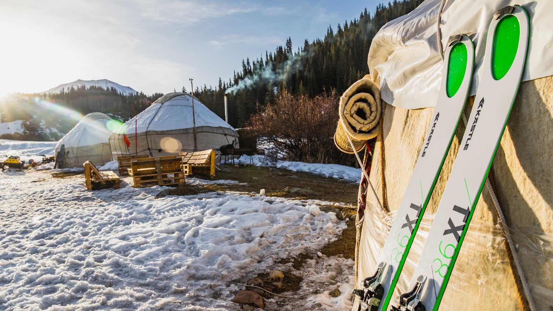 Skitouren Gehen In Kirgistan Vom Yurten Camp Karakol